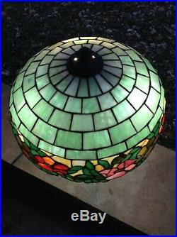 1912 wilkinson leaded glass lamp. Handel, Williamson, Tiffany, dufner
